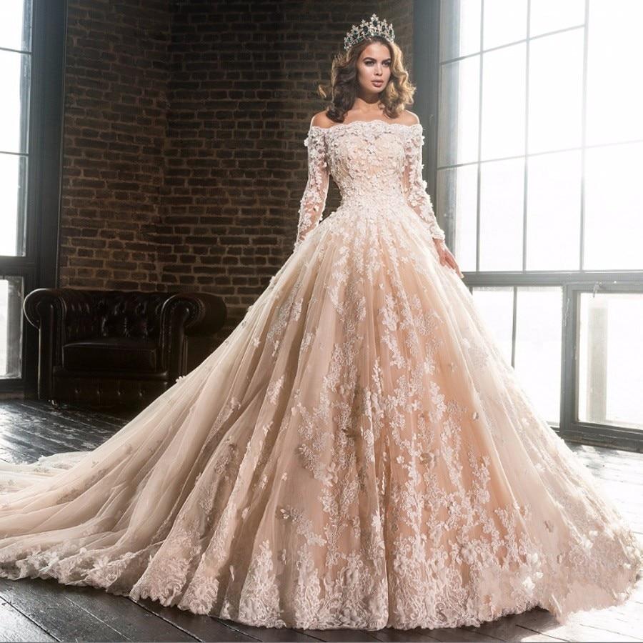 Ungewöhnlich Viktorianisch Inspirierten Hochzeitskleid Bilder ...