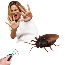 Infrared Remote Controlled Cockroach Mock Realistic Fake Cockroach RC Toy Prank Insects Joke Scary Trick Bugs