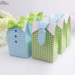 Image 1 - 50 adet benim küçük adam mavi yay yeşil kravat doğum günü İlk Communion erkek bebek duş şeker çanta düğün iyilik şeker kutu hediye keseleri