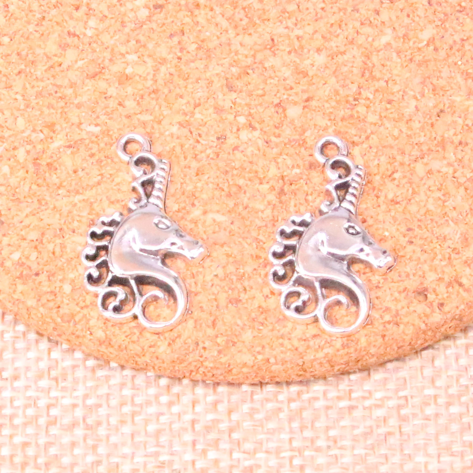 16pcs Unicorn Head Horse Charms Pendants For Jewelry Making Vintage Antique Silver Plated Diy Handmade 26*15mm