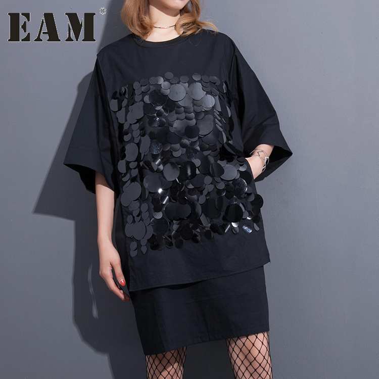[EAM] 2017 herbst Mode Neue Schwarz Pailletten Split Joint T-shirt Lose O Hals Kurzarm Tops Frau flut T36700