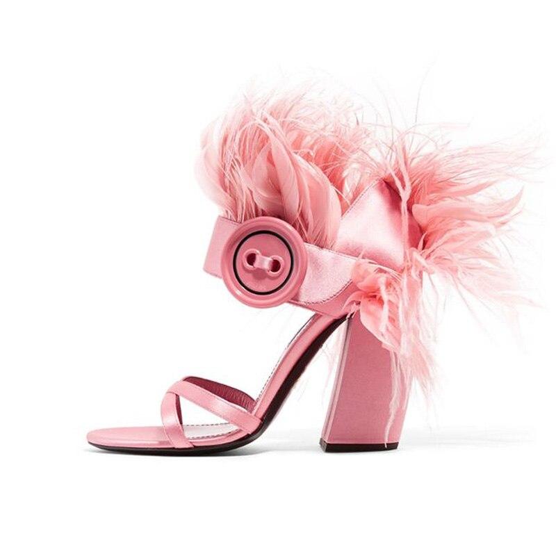 JAWAKYE nowy czerwony futro sandały kobiety kostki klamra przycisk masywne szpilki na wysokim obcasie lato Feather buty Party sandały zapatos mujer w Wysokie obcasy od Buty na  Grupa 2