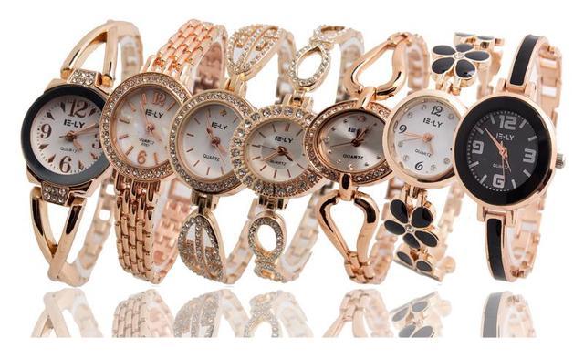 a13e43d73bf Vendas Hot Moda Ouro Rosa Pulseira Relógios Das Mulheres Das Senhoras  Strass Vestido de Quartzo Relógio