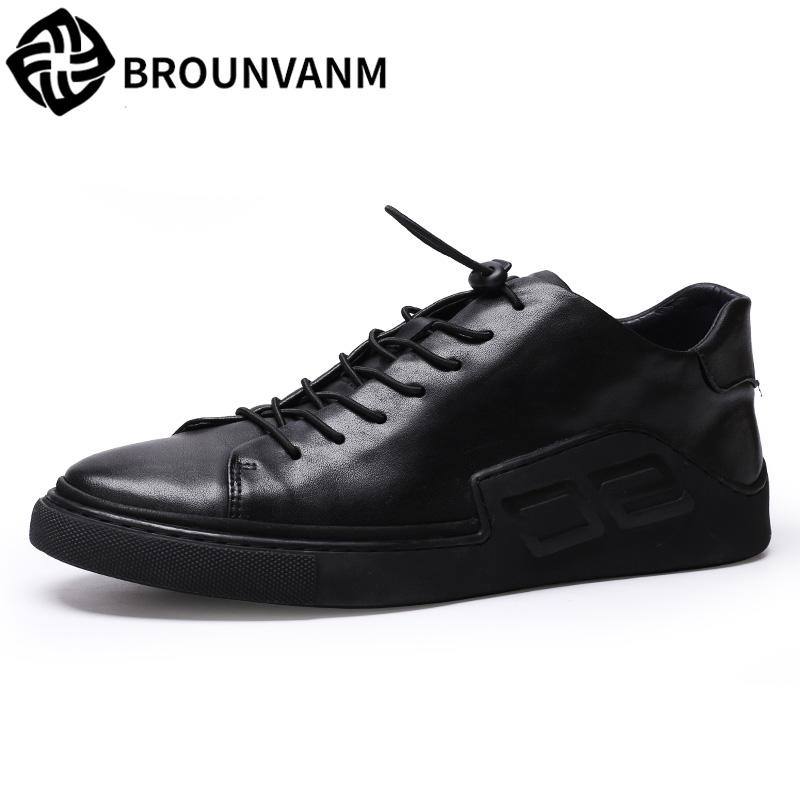 Autumn's breathable sneaker casual shoes men leather shoes all-match Korean fashion men's casual shoes black shoes free strap the spring and summer men casual shoes men leather lace shoes soled breathable sneaker lightweight british black shoes men