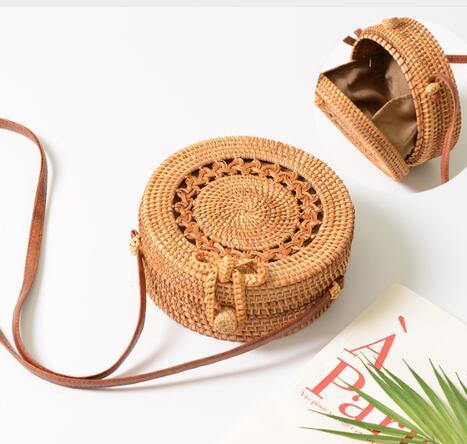 2018 Hollow Out Beach Bags Summer Flower Round Straw Bag Women Handmade Woven Circle Rattan Handbags Women Crossbody Bag