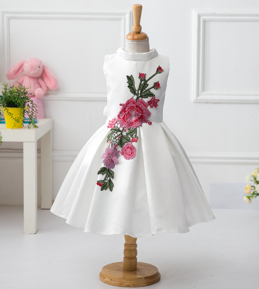 2016 new Retail new style summer baby girl print flower girl dress for wedding girls party dress with bow dress for 3-8 Years 2016 new style kids infant baby girl flower girl dress for wedding girls party dress with big bow lace dress for 3 8years