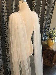Image 5 - 2019 Tulle Cape Veil 3 meters Long Wedding Bridal Shoulder Veil White / Ivory CV98
