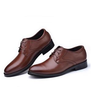 Image 4 - Reetene新しい男性の革靴ビジネスメンズドレスシューズファッションカジュアル結婚式の靴快適な指摘色の男性の靴