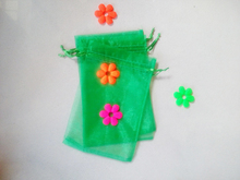 500 unids Hierba verde del regalo del organza bolsas 25×35 cm bolsos de fiesta para las mujeres evento casarse Con Cordón bolsa de La Joyería pantalla Bolsa de accesorios de bricolaje