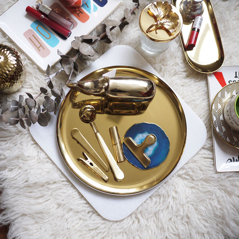 Nordic Style Round Stainless Steel Storage Trays Nordic desktop Metal Jewelry Storage Plate Gold Craft Gift Ornaments Tea Tray