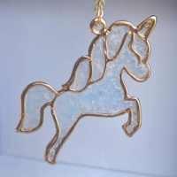 Unicorn Pegasus Blue Glow In The Dark di Colore Dell'oro Del Pendente di Colore Dell'oro Lunga Collana A Catena Delle Donne di Boho Gioelleria raffinata e alla moda Della Boemia