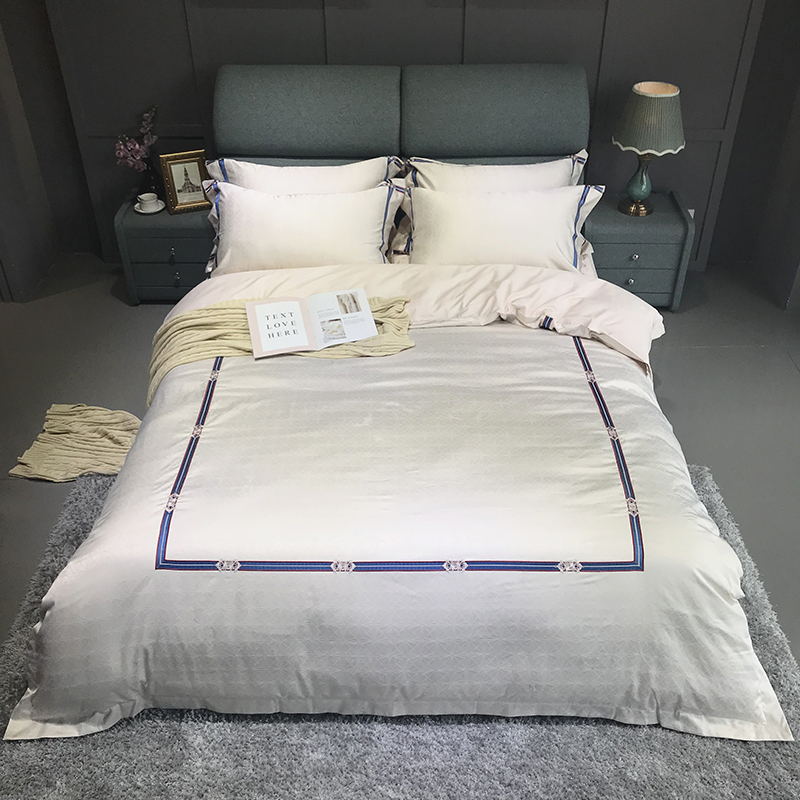 2018 soft cotton Bedding Set Gray jacquard  Duvet Cover Set 4pcs Embroidery Bed Linen Quilt Cover Queen King Wedding Gift2018 soft cotton Bedding Set Gray jacquard  Duvet Cover Set 4pcs Embroidery Bed Linen Quilt Cover Queen King Wedding Gift