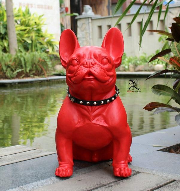 Artisanat en polyrésine fait à la main chien rouge et noir