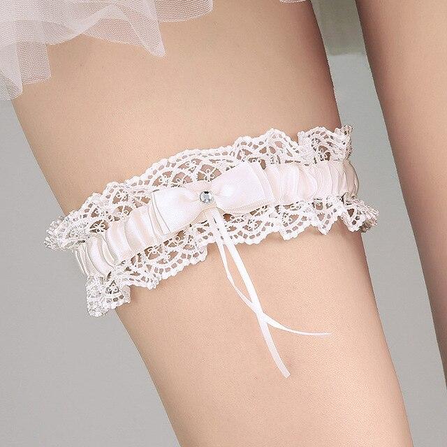 2017 Western Style New Elegant Bowknot Lace Wedding Garter Set Pearl Bridal Leg Belt