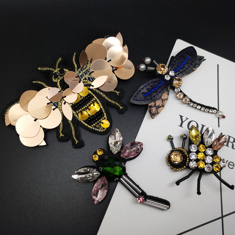 Handmade Cute Crystal Bee Dragonfly Brooches For Women Men Fly Insect Brooch Pins Scarf Dress Lapel Pin Suit Decorations Jewelr