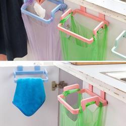 1 sztuk gadżety kuchenne drzwi do szafki worek na śmieci półka narzędzia kuchenne półka wisząca przechowywanie kosz na śmieci akcesoria kuchenne towary w Zestawy gadżetów kuchennych od Dom i ogród na