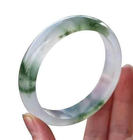 ธรรมชาติแท้สีสาวน้ำแข็งสีเขียวอ่อนลอยดอกไม้สร้อยข้อมือหยก57-58มิลลิเมตร