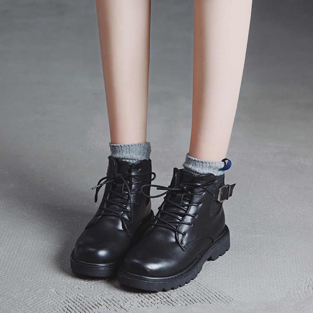 BONJOMARISA Motosiklet yarım çizmeler Kadınlar Için Vintage Yuvarlak Ayak Dantel Kadar Metal Toka Dekorasyon Ayakkabı Bayanlar yarım çizmeler Kadın