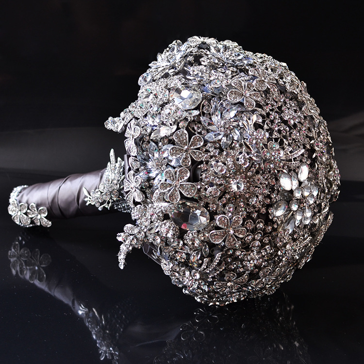 AYiCuthia Luxury Wedding Bouquet Crystal Bridal Bouquet Wedding Brooch Bouquet Jeweled Wedding Bouquet S42