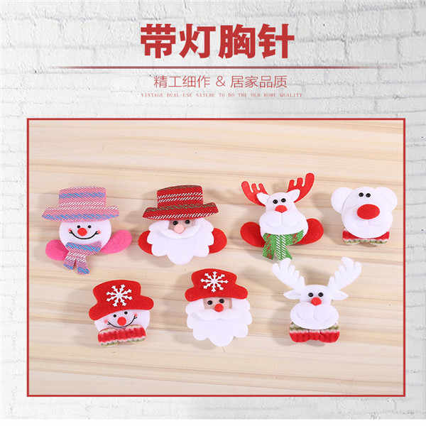 Falling prices Christmas decorations LED lights with luminous brooch pin pin adult children's day daily necessities party suppli