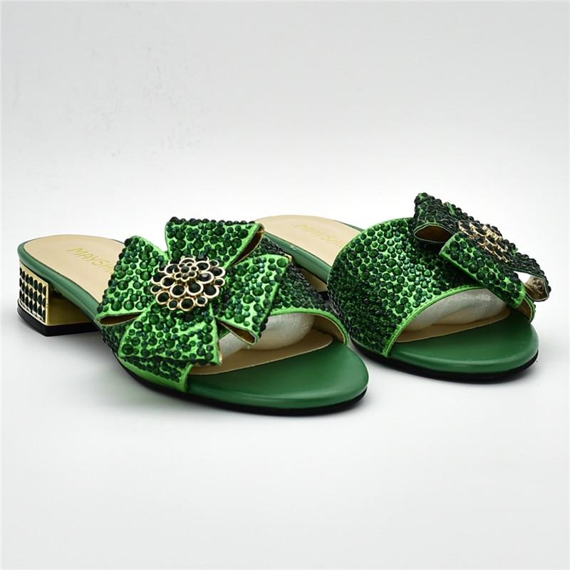 Qualité Femmes Designers Sur jaune De vert pourpre Décoré Strass Des Dames Glissement Pour Mariage Avec Pompes Noir Chaussures or Haute Luxe 0yNnOvPm8w