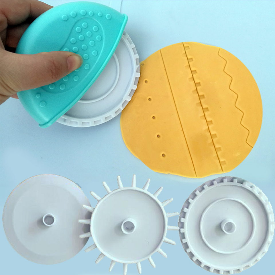 Home Party DIY Craft Baking Tool Cake Candy Pastry Plastic Wheel Roller Cutter