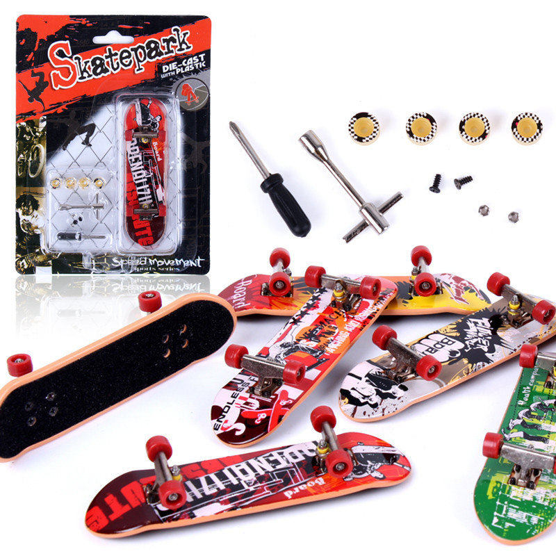 Hot Alloy Stand plastic FingerBoards Mini Finger Boards Retail Box Mini SkateFinger Skateboard Kids Toys Board Games Gift