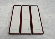 ENVÍO LIBRE De Madera De Embalaje de La Joyería Bandeja de Exhibición de la Joyería caja de Presentación Del Anillo Blanco de LA PU Caja De Almacenamiento