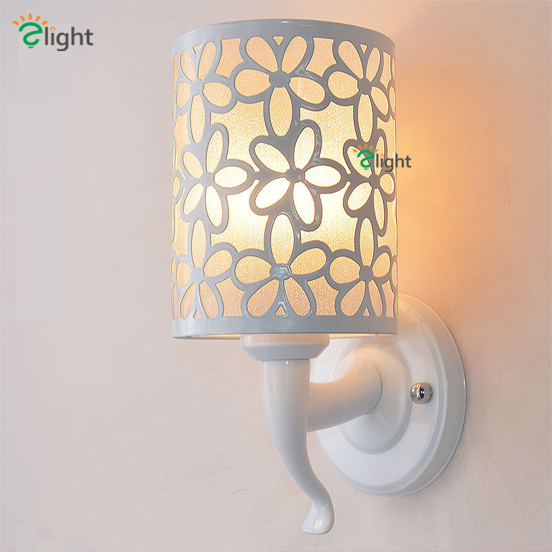ФОТО Big Discount Europe Modern Simple Painted Petal White Iron Led Wall Lamp Flower Iron Shades Wall Lamp For Bedroom Corridor