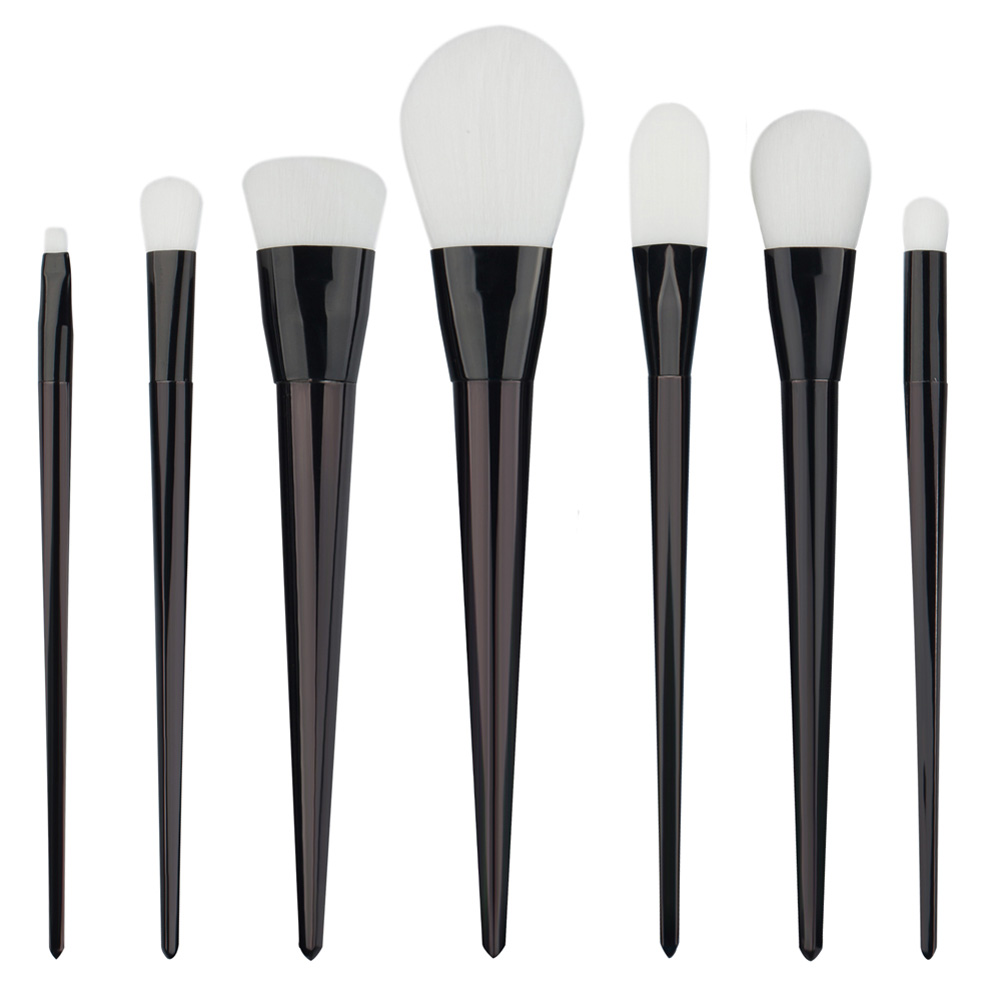 2017 Pro 7Pcs Powder Foundation Brushes Makeup Brushes Set Black White Powder Blush Brush Cosmetic Tool