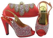 Nieuwe Coral Kleur Italiaanse Dames Bruiloft Schoenen en Tas Set Versierd met Strass Afrikaanse Bijpassende Schoenen en Tassen In Vrouwen