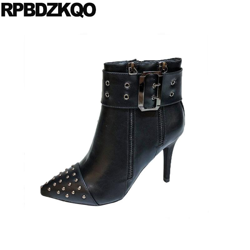 c82920e2 Sexy Beige Alto Remache Dedo negro Botines Metal Stiletto De 2018 Del  Impermeable Mujeres Lujo Puntiagudo Diseñador Pie Tacón Zapatos Botas Moda  Piel ...