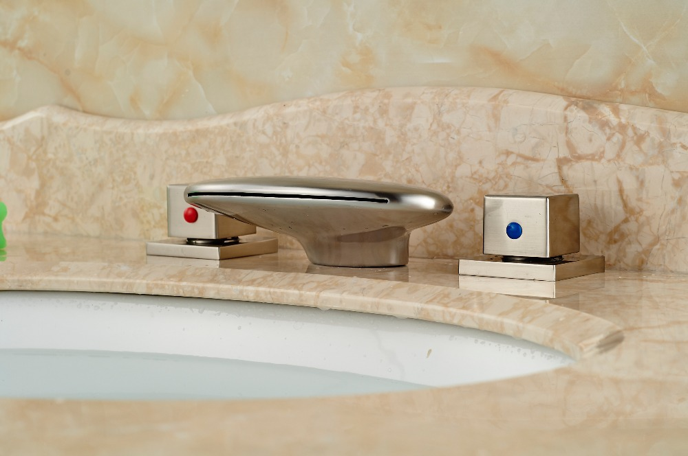 Rubinetto Del Bagno In Inglese : Nichel spazzolato cascata becco bagno diffuso rubinetto del bacino