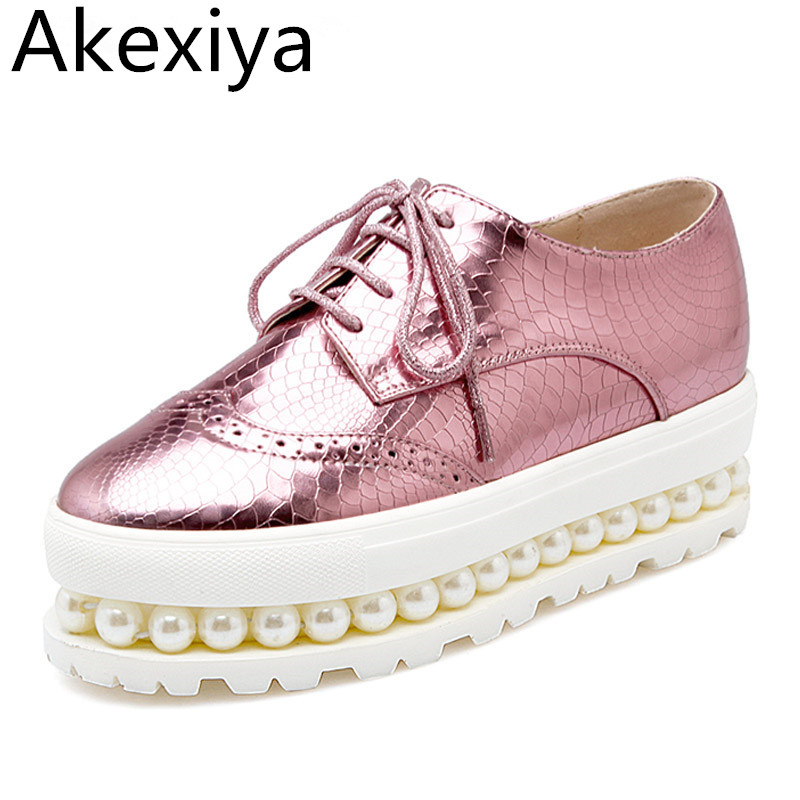 Akexiya Women Oxfords 2017 Patent Leather Creepers Pearls Platform Shoes Woman Hollow Flats Casual Women Shoes Size Plus 34-43 bling patent leather oxfords 2017 wedges gold silver platform shoes woman casual creepers pink high heels high quality hds59