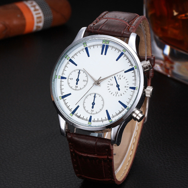 8ab6f4ef5a0 Baratos Relógios de Luxo Homens Pulseira de Couro Algarismos Romanos Quartzo  Analógico Relógio de Pulso dos