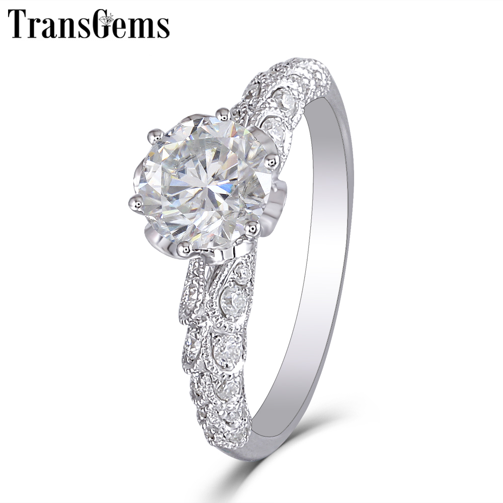 Transgems New Hand Made Centro 1ct Moissanite Anel para Mulheres 6.5 MM F Cor 14 Moissanite Diamante 585 K Branco anel de ouro