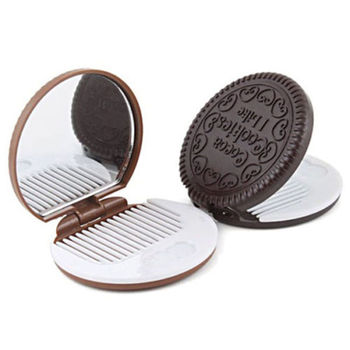 1 PC Dark Brown Cute Chocolate Cookie Shaped Design Makeup Mirror with Comb Lady Women Makeup Tool Pocket Mirror Home Office Use