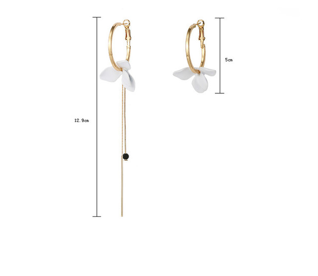 Trendy Flower Dangle Golden Big Circle Asymmetrical Earrings