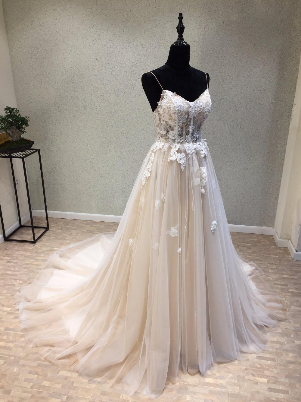 A linie kleid hochzeit
