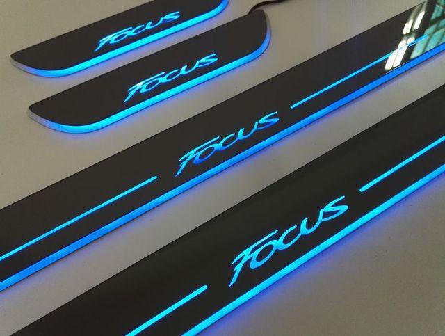 4 pcs única cor feito por LED do Peitoril Da Porta Placa do Scuff Pedal Bem-vindo Car Styling Acessórios de luz externa Para FORD FOCUS