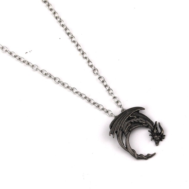 Game Of Thrones Alloy Dragon Necklace Winged Dragon On Moon Pendant