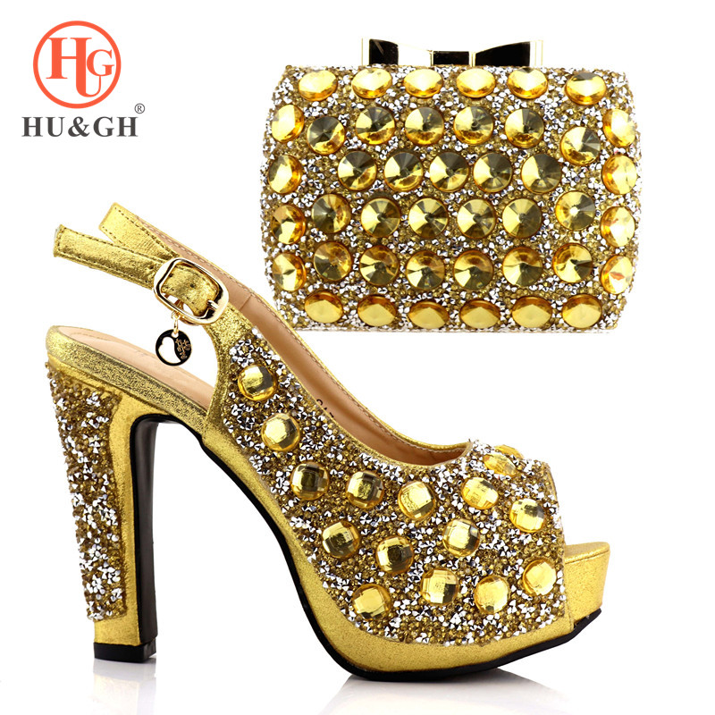 New African Elegant Golden Shoes And Bag To Match Set Nigerian Italian High Heels Party Shoes And Matching Bag Set For Wedding nigeria wedding african shoes and matching bag set with stones colorful high heels italian shoes with bag set to match th16 43