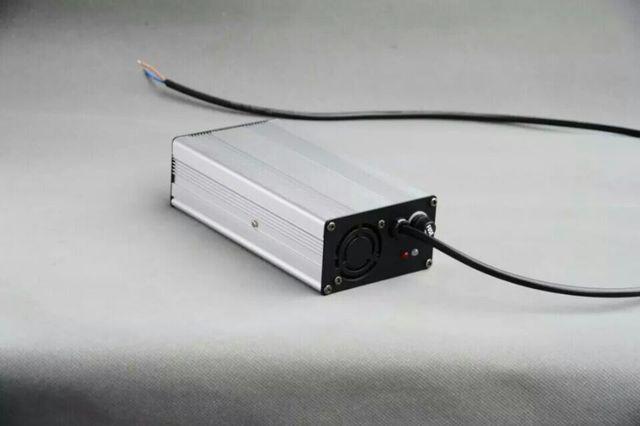 Alta calidad Lifepo4 cargador de batería 54.75 V 3A para 15 S batería Lifepo4