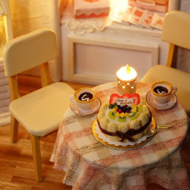 Cake Diary Miniature Doll House