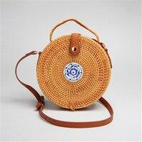 2018 high quality handmade rattan round shoulder bag fashion leather strap bag straw beach bag summer straw bag