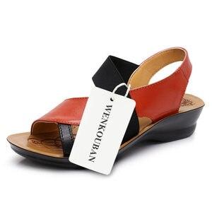 Image 4 - 新しい革サンダルの女性のサンダルの夏の靴 sandalias ウェッジ女性のためのカジュアルシューズ母ソフト浜の靴