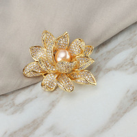 Luxury Rhinestone Flower Brooches Women Natural Pearl Lapel Pins for Female Wedding Brooches Crystal Jewelry Accessories