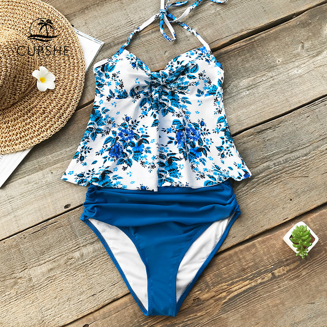 163e2ad398a6 € 25.2 |CUPSHE Océano Azul viaje impresión Halter Bikini de Tankini  conjuntos de trajes de baño de 2019 mujeres de corazón cuello cintura alta  dos ...