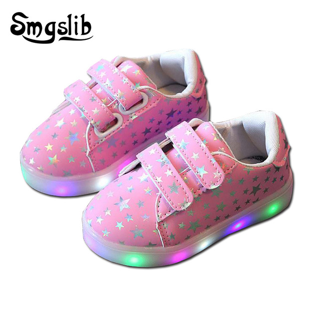 cbc4a4e9591 US $7.99 30% OFF|Kids Luminous Shoes Toddler Boys Girls Led Light Up Shoes  Casual Sneakers Light Up Neon Glow Shoes Shiny Stars Fashion Sneakers-in ...