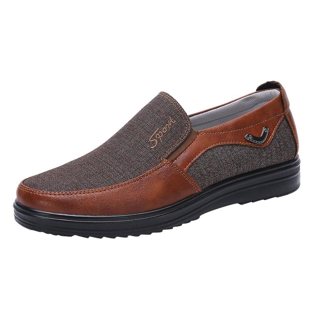 cf683f5db56 Marca de lujo de diseño resbalón en mocasines de los hombres zapatos  casuales zapatos de cuero. 2018 Hombre Zapatos de ventilación para ...
